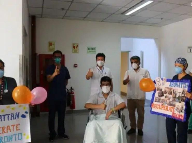MEDICOS DEL HOSPITAL LOAYZA 2