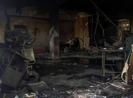 Incendio en sala de hospital con pacientes con covid-19 deja 18 muertos