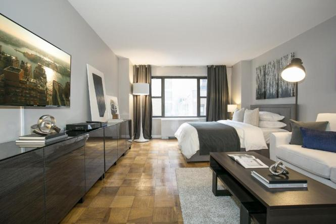 Modern Studio Apartment Midtown East