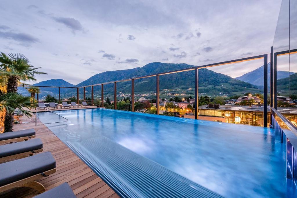 Piscina di Hotel Therme Meran - Terme Merano o nelle vicinanze