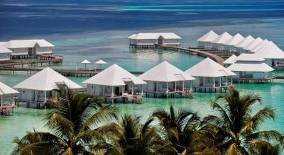 Resort Diamonds Athuruga Beach, Athuruga Island, Maldives ...