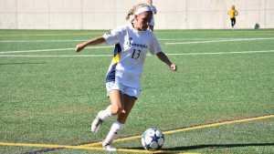 Quinnipiac women's soccer picks up its second conference win, defeats Iona 2-1