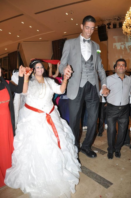 World's Tallest Man Gets Married