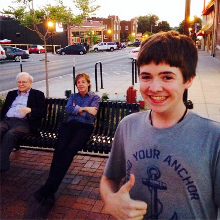 Tom White Selfie With Paul McCartney And Warren Buffett