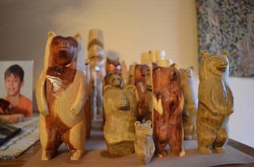 Les jolies statuettes en bois taillées par mon oncle