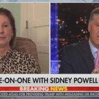 Q SCOOP - Sidney Powell : Un témoin à l'hôpital après avoir été battu.