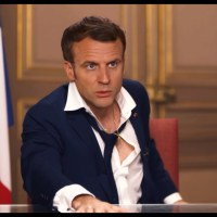 """Q VIDÉOS - """"Le prochain discours de Macron"""" - Deepfake."""