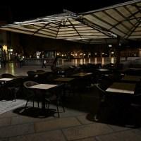 Q SCOOP - Paris : les clients d'un restaurant clandestin refusent de se faire contrôler et s'en prennent aux forces de l'ordre.