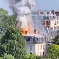 Q SCOOP - Paris : Incendie près du Palais Matignon, résidence du Premier ministre français.
