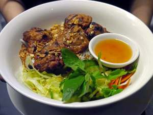 Grilled Pork Meatballs with Rice Vermicelli
