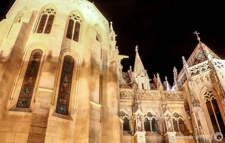 st. matthias church at night