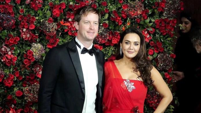 प्रीति जिंटा के पति जीन गुडइनफ का आज जन्मदिन है और इस खास मौके पर एक्ट्रेस ने रोमांटिक तस्वीरें शेयर कर पति को बधाई दी है.