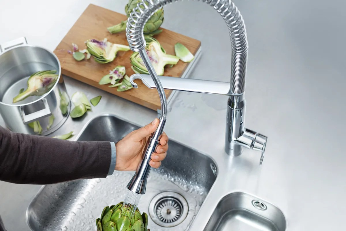 the kitchen faucet pull down pull out