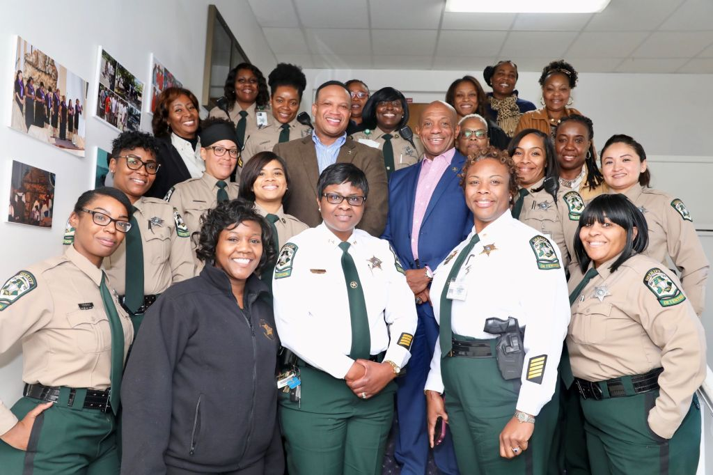Telisa-White-Meck-Sheriff-Office-group-photo