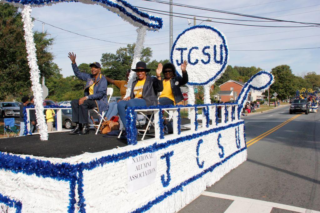 JCSU-parade-alumni-caravan