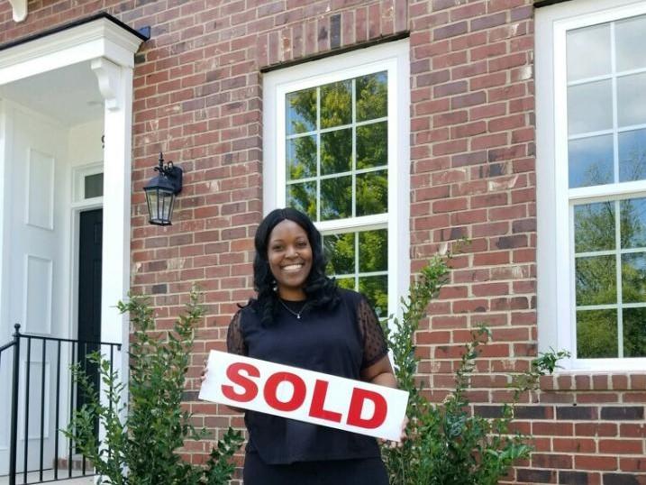 Shelda-Charlotte-homeowner