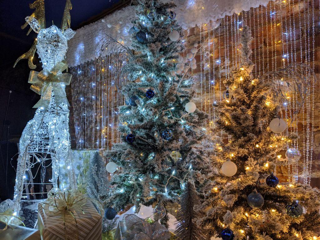 Jingle-City-Bar-winter-wonderland