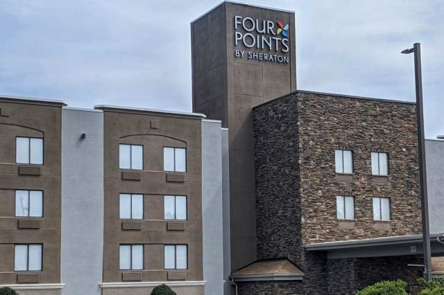 Four-Points-Sheraton-Hotel-Charlotte