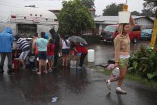 05/10/2017. Zona afectada en Poas de Aserri por la Tormenta Nate. Vecinos de la zona no tienen agua potable y las calles están llenas . Fotografía: Graciela Solis