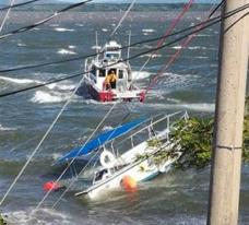 Four people were rescued by the Coastgauard from a capsized fishing boat in Guanacaste