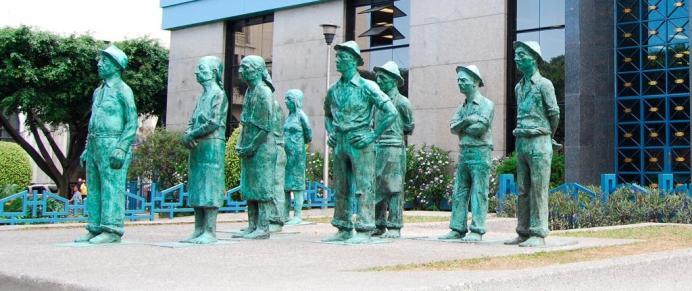 bccr-statues2a