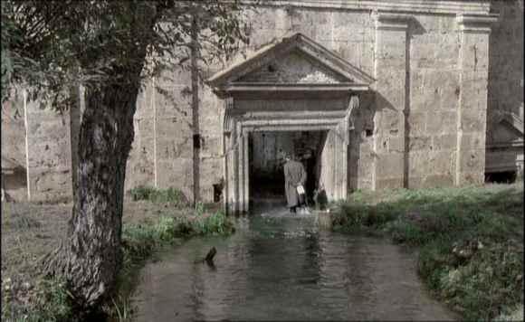 La chiesa di San Vittorino: inondata