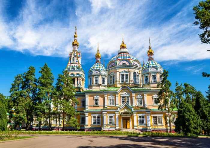 Cattedrale dell'Ascensione di Almaty: esterno