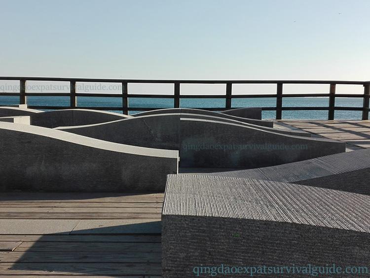 Qingdao, China Yinhai waterfront walk_160457