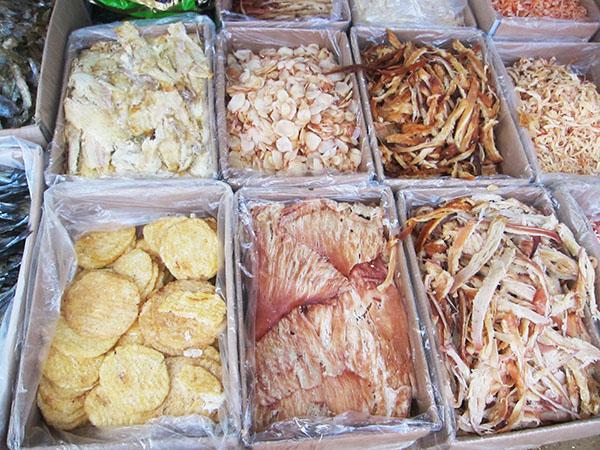 Haiyang veggie market Qingdao expat China