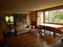 Linnaea Farmhouse living room
