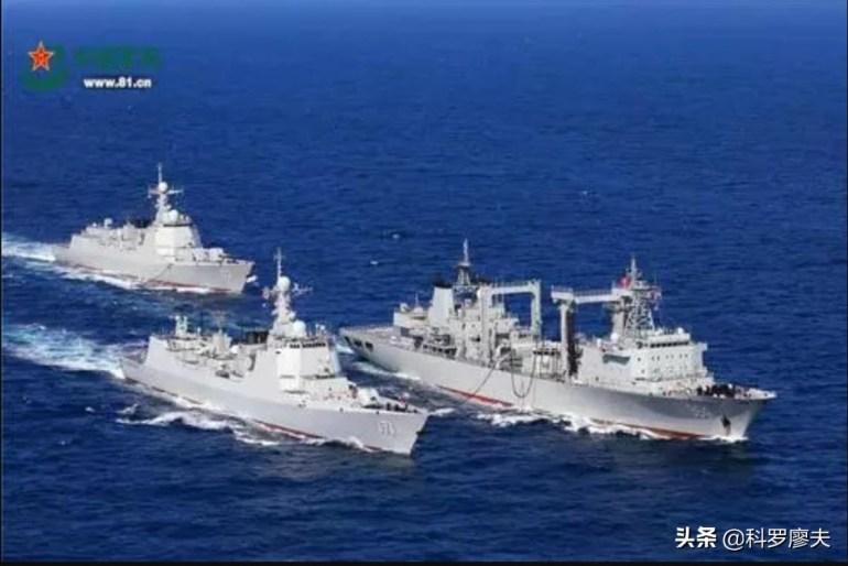 凌晨时分,美军突然出手,多架战机猛烈轰炸武装据点,炸死数十人