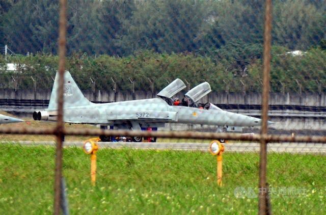前来送死?美军超级战舰开发新战术,开战直接冲进对手包围圈