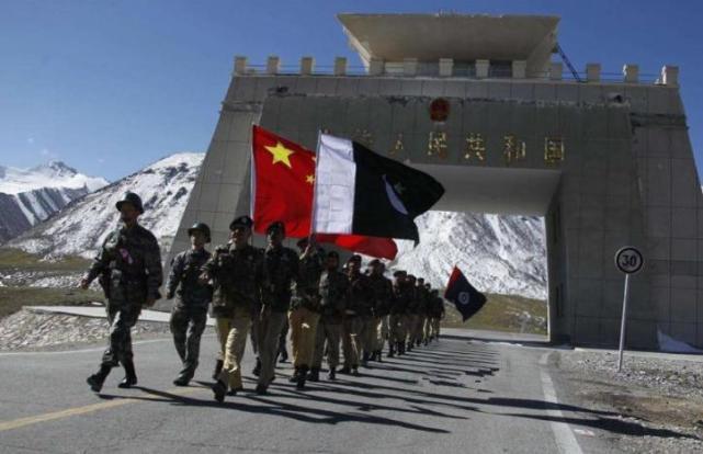 两大中国武器老用户打起来了!塔、吉两国中制武器大盘点,真不少