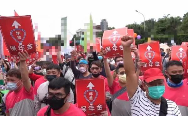 拜登撕下对华虚伪面具,美专家直言:污蔑中国对我们没一点好处