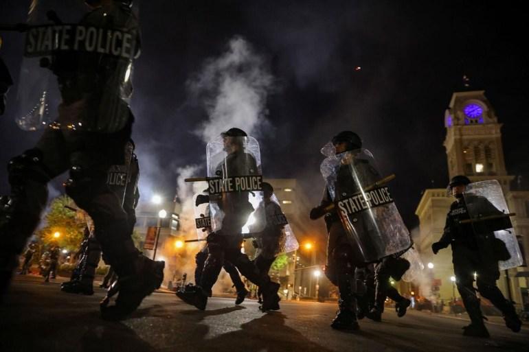 美伊和解加速?美国官方公布从伊朗进口石油,伊朗回应令美国尴尬