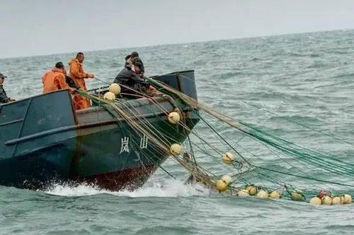 """各国军中为何要""""烧屎""""?士兵:这可不是为了惩罚"""