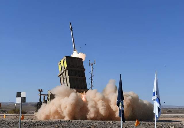 又亂了!美抗議大軍包圍白宮,傑克遜雕像遭破壞,拜登嚇得不敢吭聲