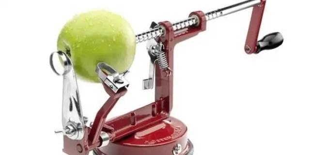 Moster Huldas æbleskrællemaskine – den virker fantastisk!