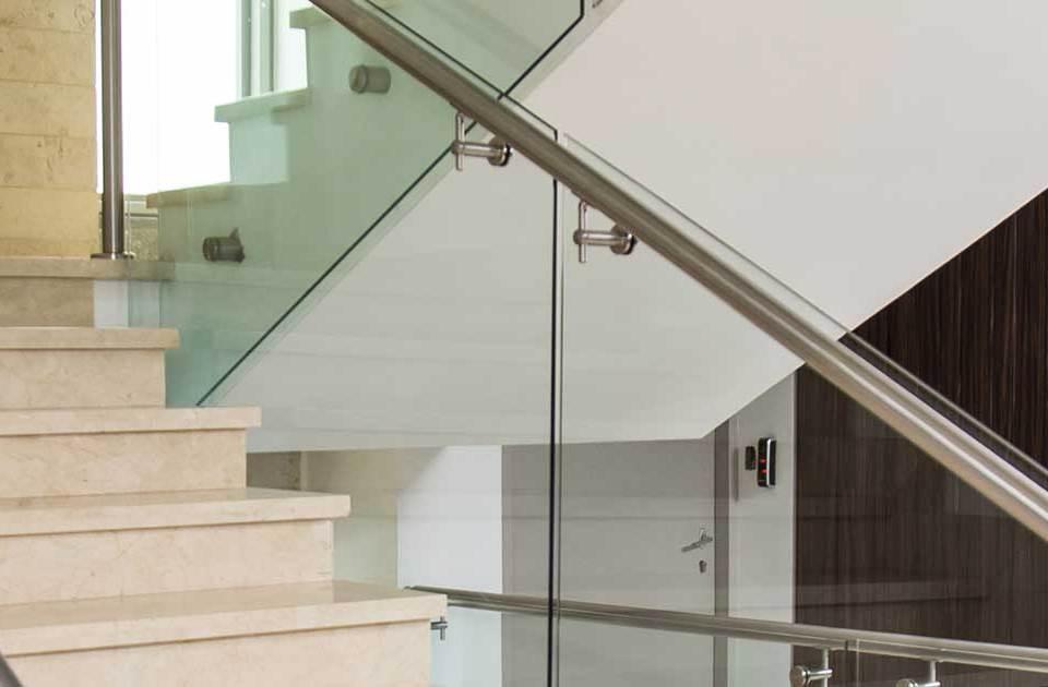 quality-metal-proyectos-escaleras-acero-inoxidable