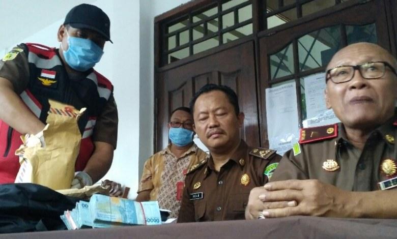 Photo of OTT Kadispar Lombok Barat Terkait Dugaan Pemerasan Proyek Pariwisata.