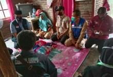 Photo of Balita Penderita Tumor Asal Desa Batunyala Loteng Terima Bantuan.