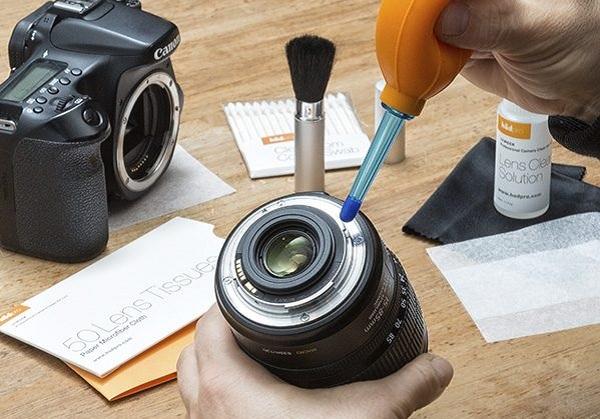 cara membersihkan lensa kamera yang baik dan benar