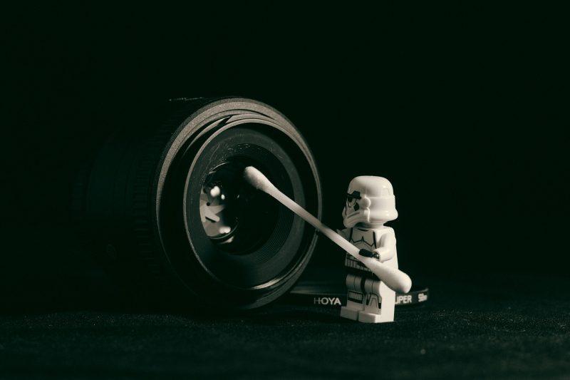 tips cara membersihkan lensa kamera digital yang baik dan benar