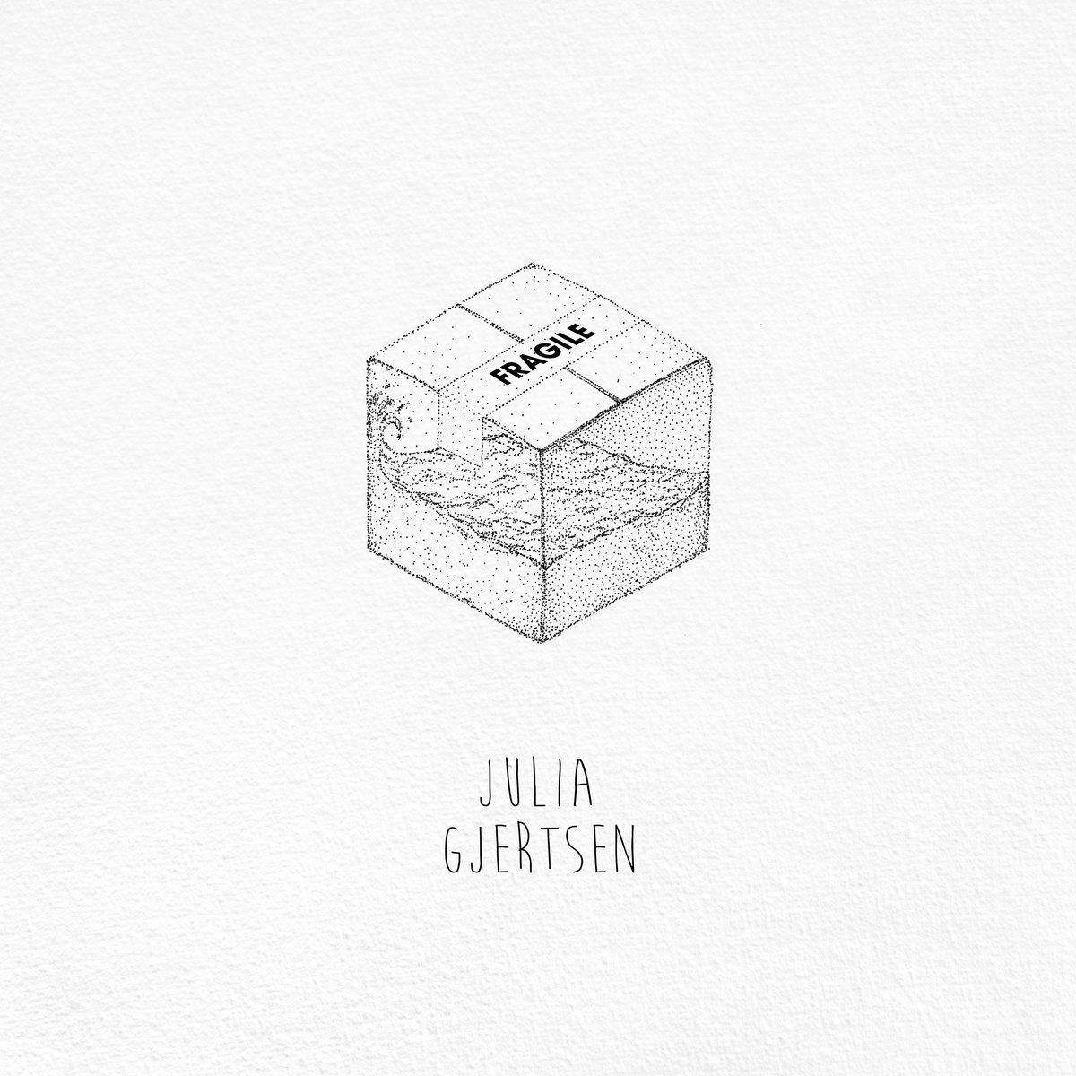 julia gjertsen fragile