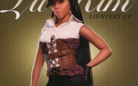 Lil Kim Lighters Up