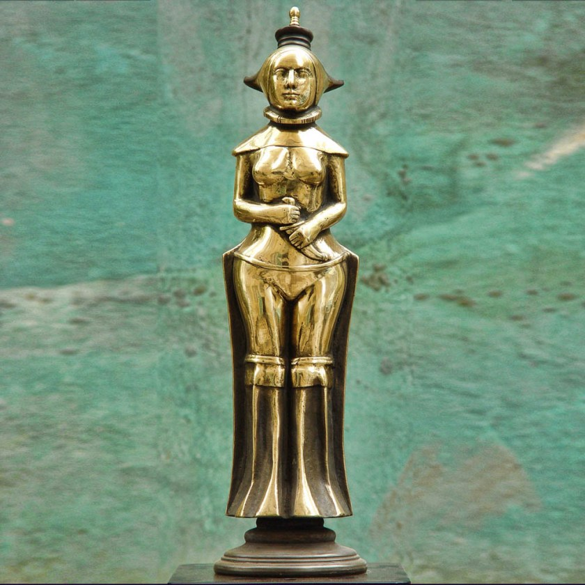 Wife of a shah_(Bronze)-min