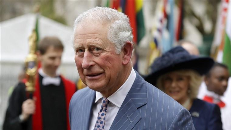 El príncipe Carlos, de 71 años dio positivo de coronavirus