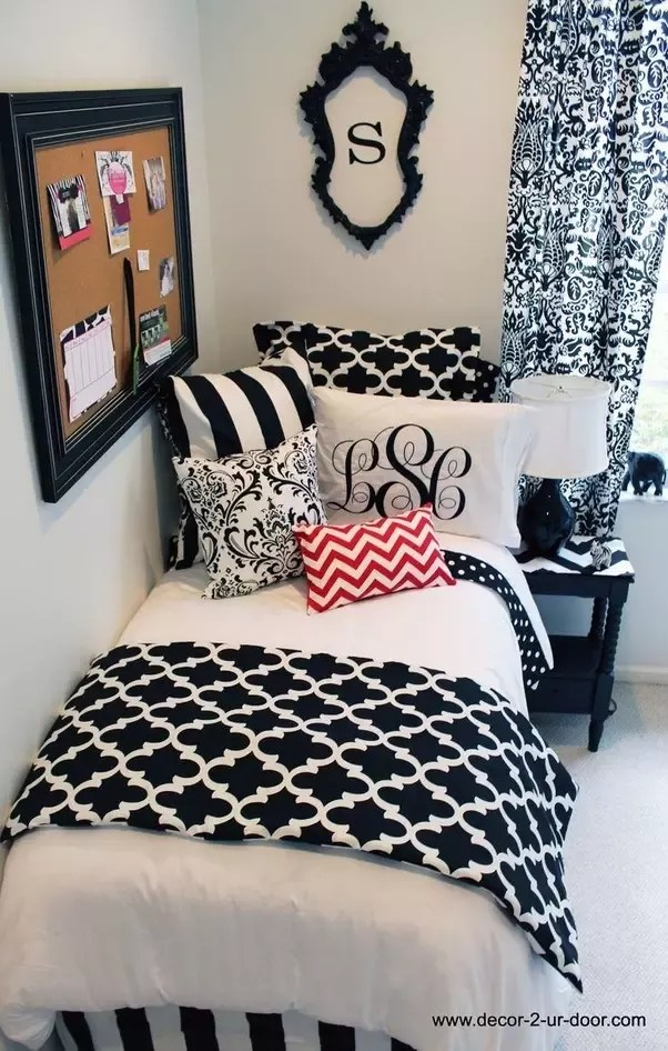 how to decorate a bedroom with black