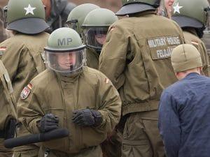 riot control aufstandsbekaempfung bundeswehr gegen buerger Aufstand Unruhe