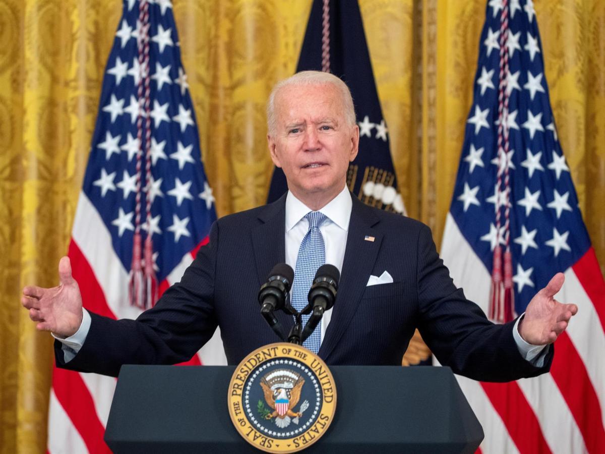 El presidente de EE.UU., Joe Biden, habla ante la prensa de los esfuerzos realizados para contener la variante delta del coronavirus, este 29 de julio de 2021, en la Casa Blanca. EFE/Shawn Thew